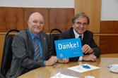 Der Sprecher der Hessischen Landesregierung und der Oberbürgermeister der Stadt Wiesbaden