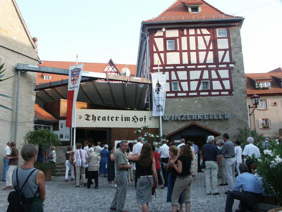 Theater im Hof Heppenheim gross